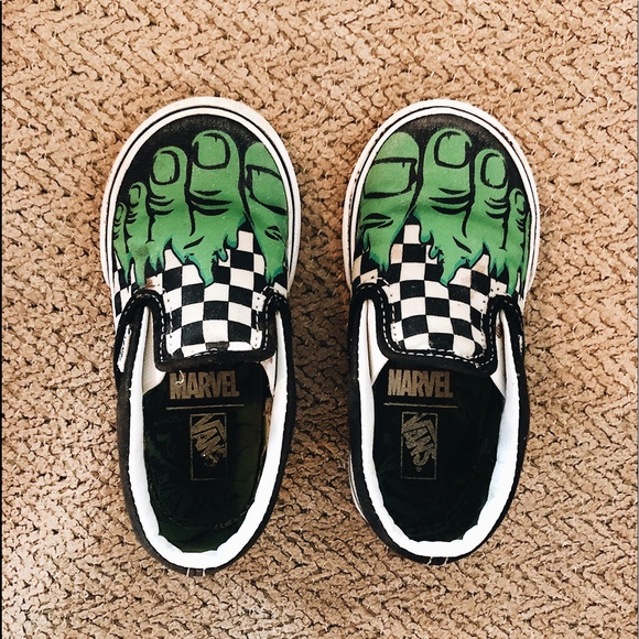 clear and distinctive outstanding features exclusive deals Toddler Incredible Hulk Vans